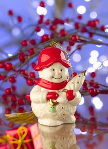 Belleek Snowman Wi...
