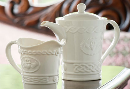 Belleek - The Claddagh Collection