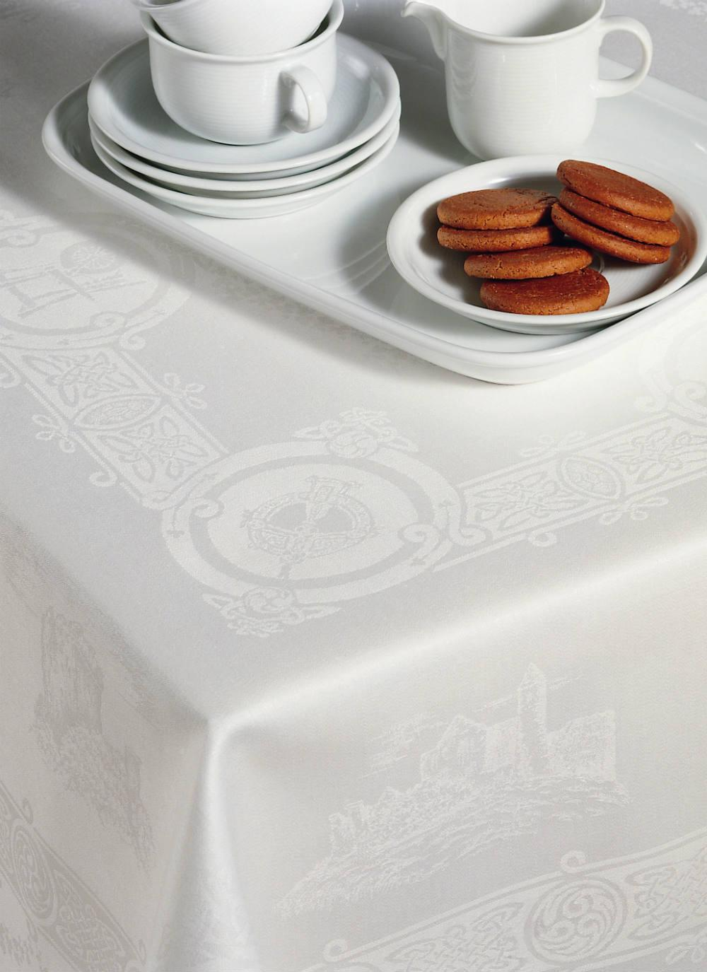 Celtic Linen Tablecloth 54u0027u0027 X 72u0027u0027 (Seats 4 6)