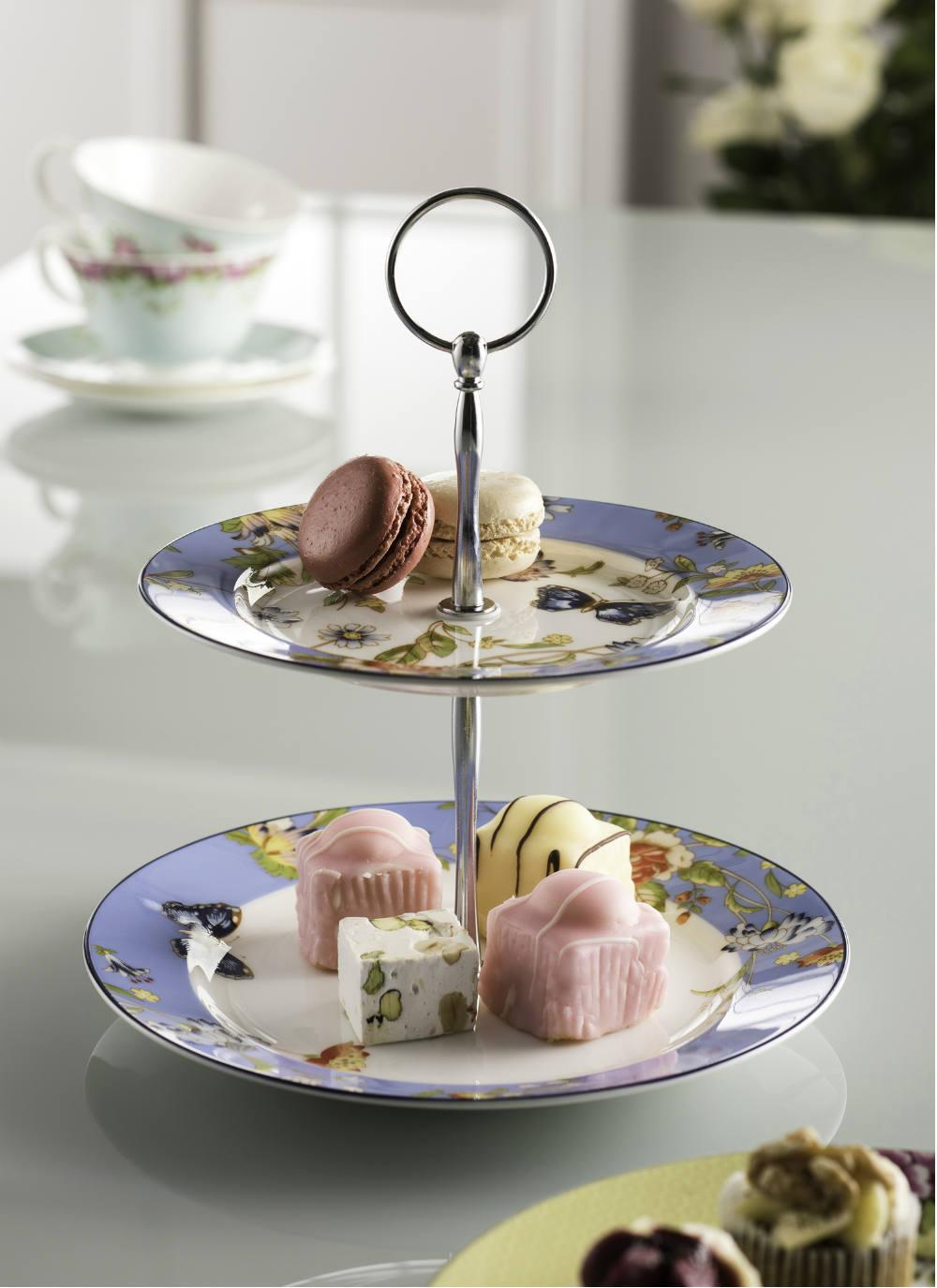 Stack your scones on this splendid two-tier cake stand from Aynsley Fine China!