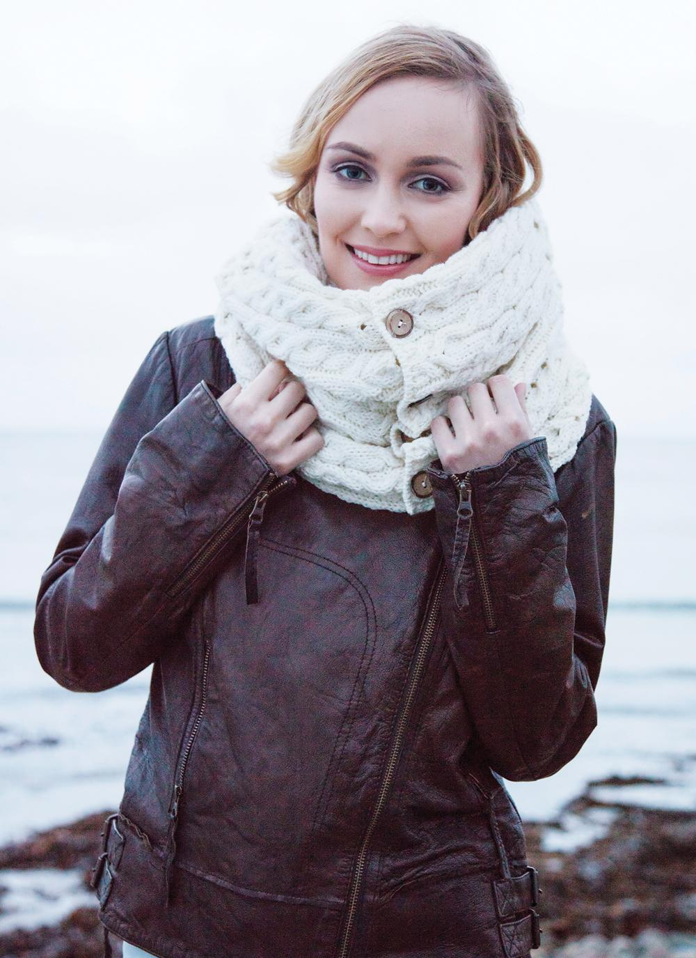 Aran Woollen Mills Super Soft Merino Wool Infinity Cabled Scarf In Natural White