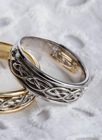 Gents 14k White Gold Celtic Knot Wedding Ring