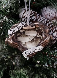 Genesis Christmas Claddagh Frame Ornament