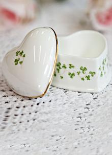 Royal Tara Trellis Shamrock Heart Box