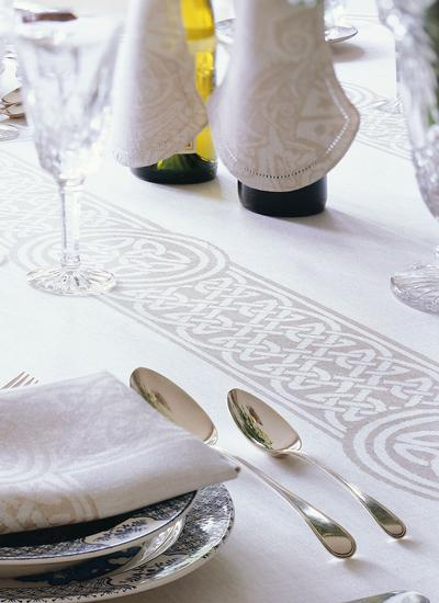 Colmcille Linen Placemats 12'' X 18''