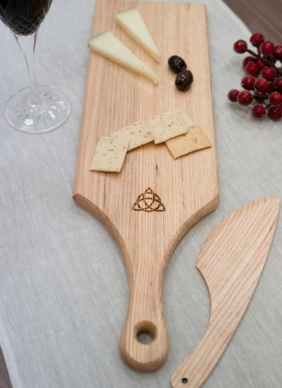 Personalized Trinity Knot Ash Cheese Paddle with Knife