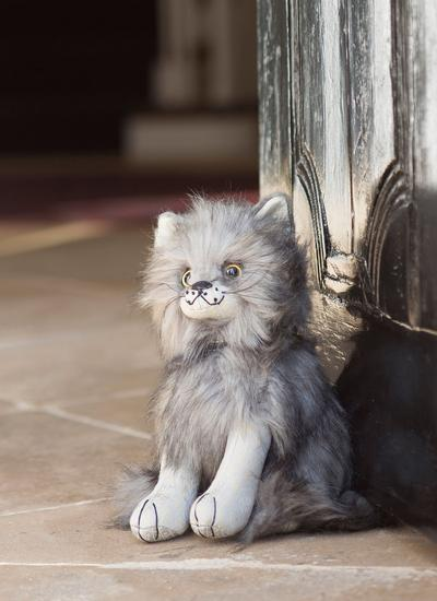 Majestic Maine Coon Cat Doorstopper