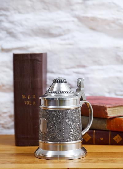Lidded Leaf Tankard