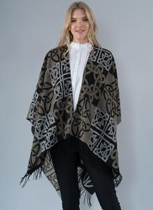 Celtic Wrap in Black and Gray