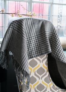 Lambswool Houndtooth Doublesided Throw