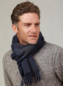 Lambswool Scarf Navy Check