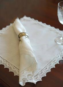 Classic Linen Napkins Set of 4 & Table Runners Lace And Lace Table Runners | Blarney