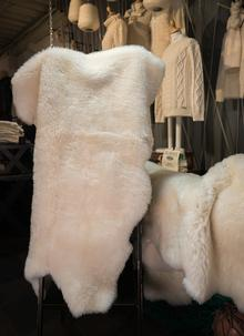 Irish Sheepskin Rug Quarto
