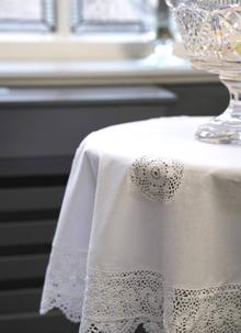 Cotton And Lace Tablecloth ...